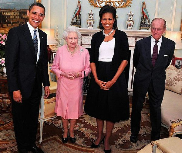 Barack and Michelle Obama visit Queen Elizabeth II and Prince Philip 4/1/09