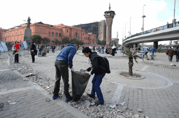 Egypt-Tahrir-Square-youth-clean-up-021211-by-Bassam-El-Zoghby.jpg