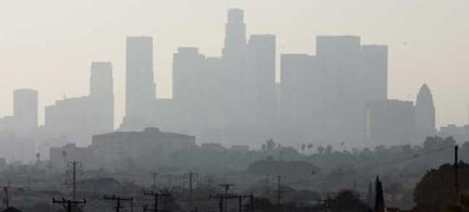 The Los Angeles Basin is far from meeting federal pollution standards. (photo: Francine Orr /Los Angeles Times)