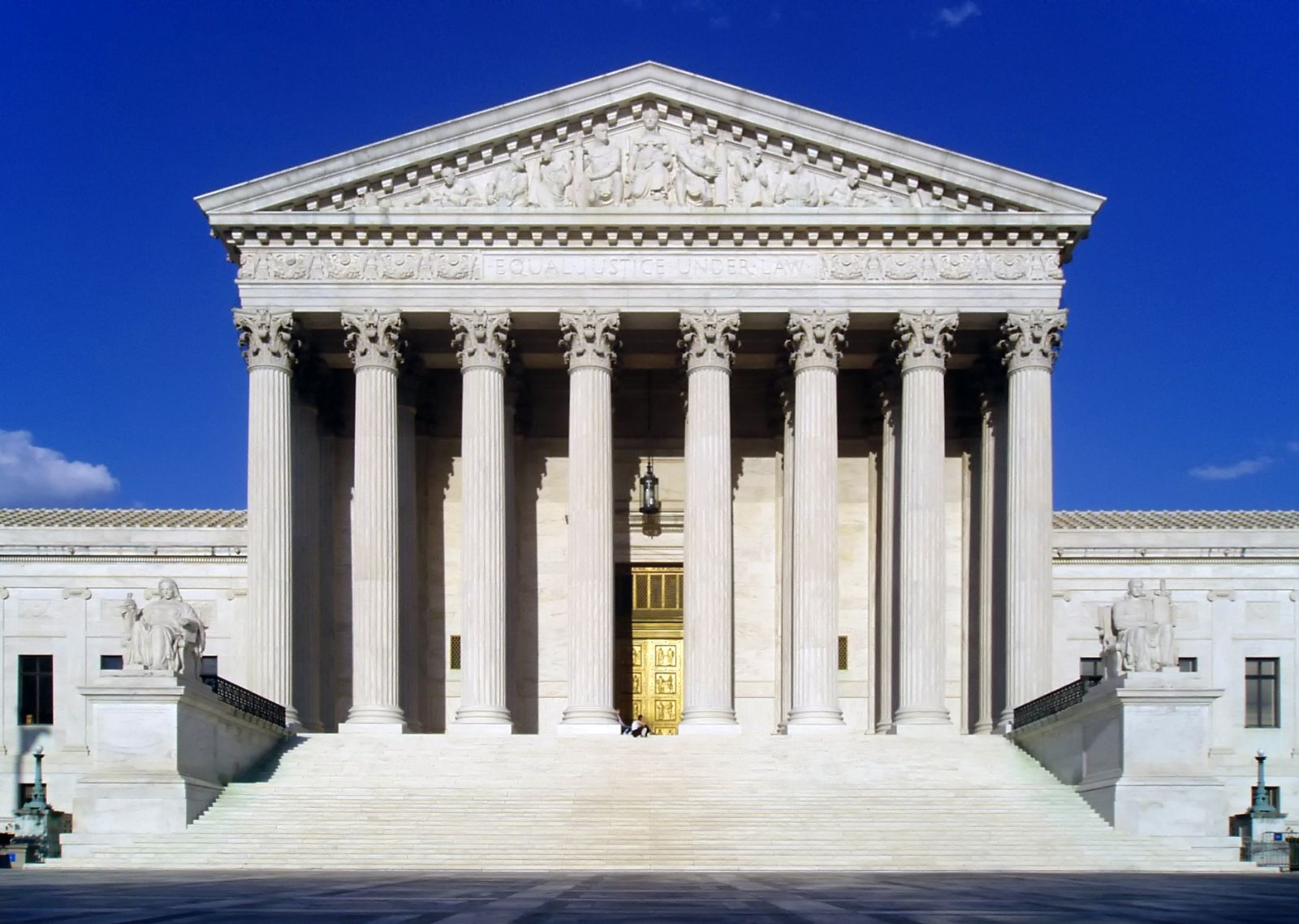 http://upload.wikimedia.org/wikipedia/commons/d/d8/USSupremeCourtWestFacade.JPG