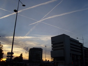 Chemtrails Over Paris
