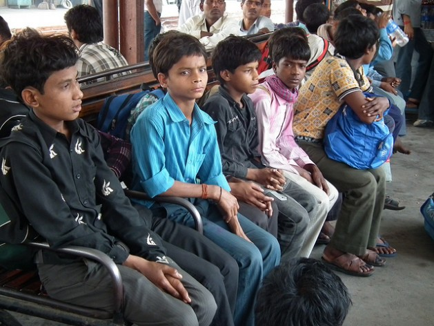 Child labourers rescued in Delhi waiting to be sent back to their villages. Credit: Bachpan Bachao Andolan/IPS