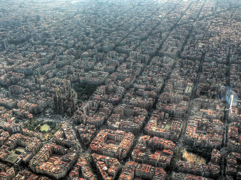 http://twistedsifter.com/2011/04/picture-of-the-day-epic-aerial-of-barcelona-spain/