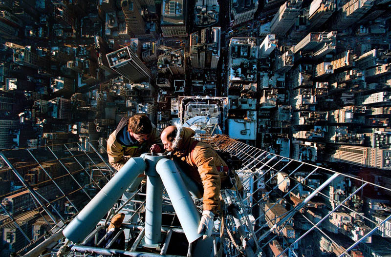 http://twistedsifter.com/2011/09/picture-of-the-day-instant-vertigo/