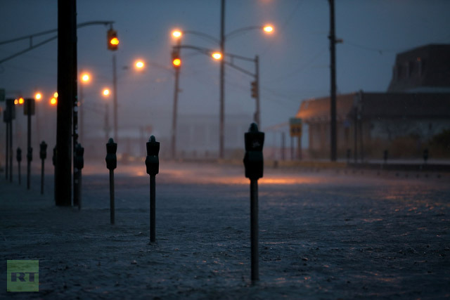 Ocean Avenue is flooded caused by Hurricane Sandy, on October 29, 2012 in Cape May, The New Jersey coastline is feeling the full force of Sandy′s heavy winds and record floodwaters. (Mark Wilson/Getty Images/AFP)