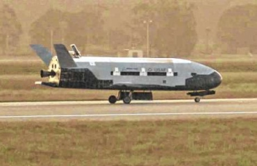 The%20X-37B%20unmanned%20spacecraft%20landing%20at%20Vandenberg%20Air%20Force%20Base.%20The%20spacecraft%2C%20which%20was%20launched%20from%20Cape%20Canaveral%20Air%20Force%20Station%20in%20Florida%20in%20March%202011%2C%20conducted%20in-orbit%20experiments%20during%20the%2015-month%20clandestine%20mission%2C%20officials%20said.%20It%20was%20the%20second%20such%20autonomous%20landing%20at%20the%20base.%20%3E