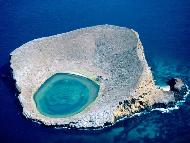 http://twistedsifter.com/2011/01/picture-of-the-day-the-blue-lagoon-ecuador/