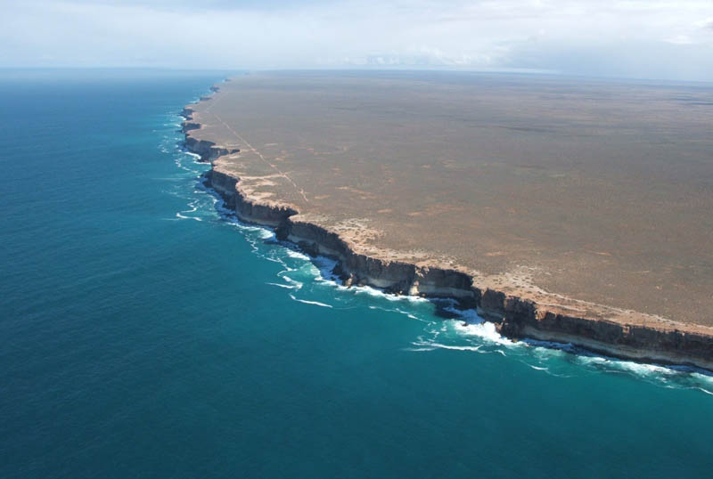 http://twistedsifter.com/2011/07/picture-of-the-day-the-edge-of-earth-bunda-cliffs-of-australia/